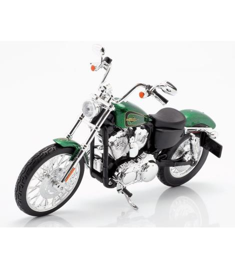 Maisto Harley Davidson 2013 XL 1200V Seventy Two Bike 1:12 Die-Cast Model